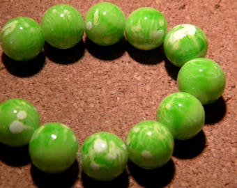 10 glass beads fashion reality - 12 mm green anise speckled PF24 1
