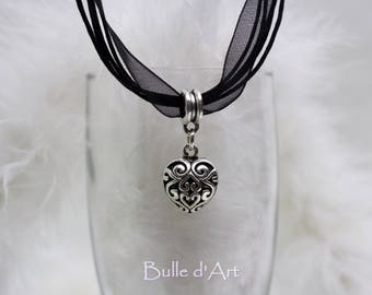 Necklace * heart lovely * on a black organza cord