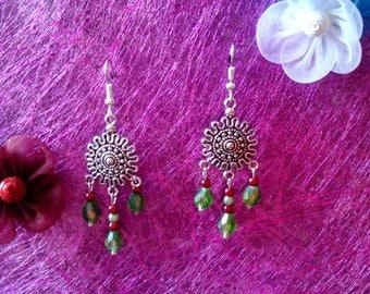 Pearl drop earrings Green