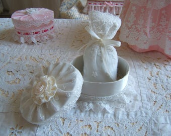 """Adorable little box shabby chic raw silk and its scent """"lavender"""" pouch"""