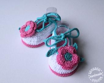 Chaussons ballerines blancs fleurs roses en coton