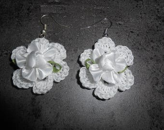 Flower Earrings in white cotton crochet with beads