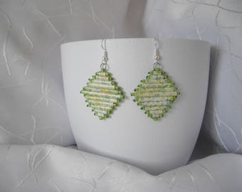 Alliance paper, sewing thread and seed beads earrings