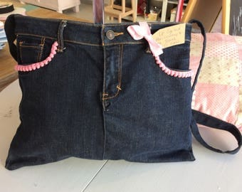 Jean Bag made from Upcycled Jeans !