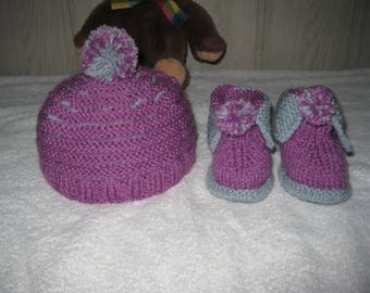 all Bobble hat and booties