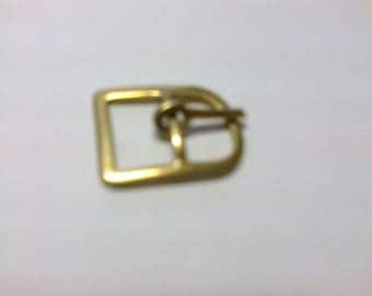Boucle rectangulaire en métal doré passage 1cm     **BO12**