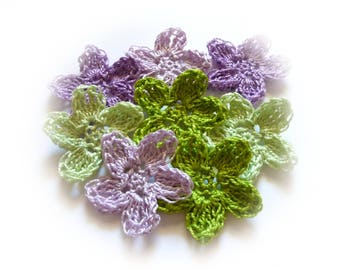 8 appliques crochet green and purple flowers