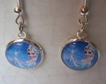 Princess pattern glass cabochon earrings