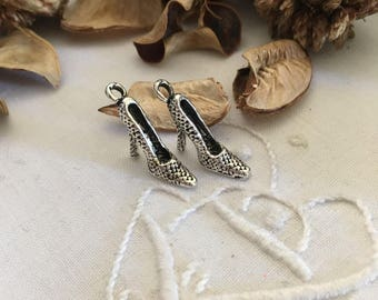 4 charms antique silver color, original creations for shoes