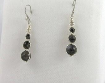 Earrings grey Labradorite beads.