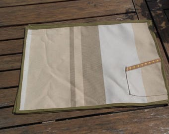 Set of 4 place mats with Pocket for cutlery