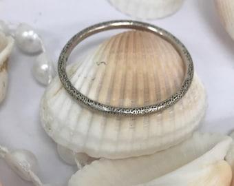 Dainty 925 silver band L115