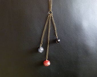 Elegant necklace with 3 strands - red and black beads