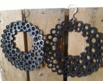 Lace earrings in inner tube recycled - series