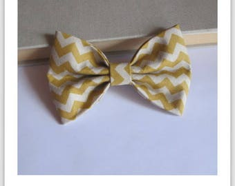 Bow tie and clip hair 2 in 1 tchevron mustard and beige