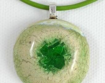 """Iris"" in sandstone and glass pendant"