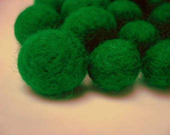 Pearl of felted wool, green grass, 15 mm, Merino