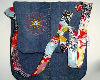 Bag large XL. Upcycling. Blue Denim and embroidery.