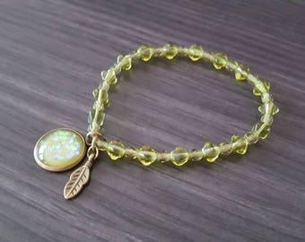 Top green Cabochon bracelet