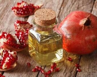 Cream regenerating pomegranate oils