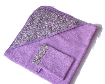 bath and washcloth in shades of lilac and slip