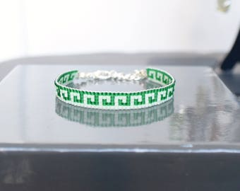 Green and pale green woven bracelet in pearls Miyuki