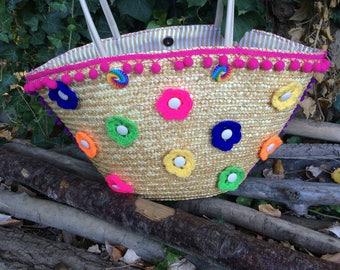 straw pattern basket tiny crochet flowers