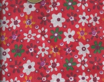 FLORAL fabric: Red flowers (coupon 45 x 45 cm) 100% fine cotton