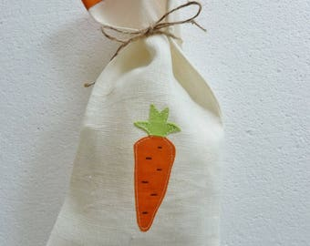 Dress handkerchief linen for the Easter Chocolate