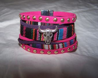 Cuff Bracelet in black and pink suede and leather