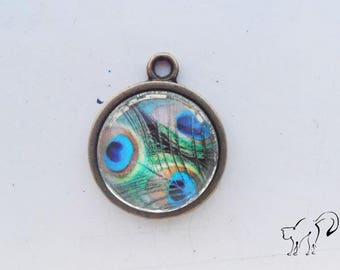 Vintage cabochon pattern pendant Peacock feather / peacock