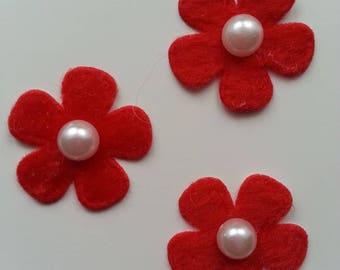lot de 3 fleurs perlée en feutrine rouge     25mm