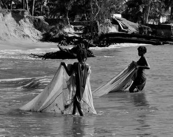 "Photography black and white: ""Manakar fisherwomen"" - Manakar - MADAGASCAR - 2015"