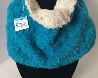 Alpaca cowl almond stitch with fur