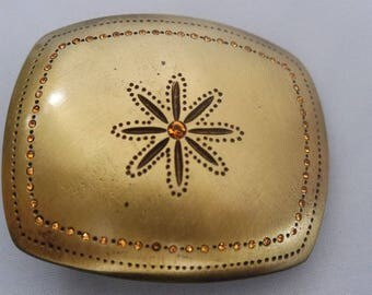 beautiful belt buckle gold