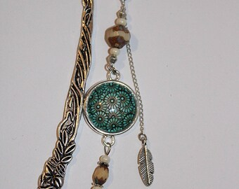 Bookmark silver metal, glass beads and cabochon
