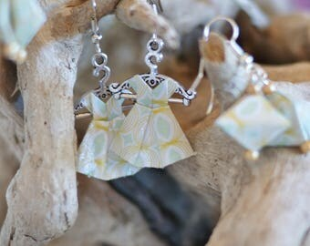 "Origami earrings in the shape of ""dresses"""