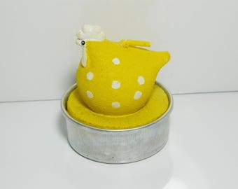 Yellow and White Hen candle