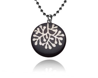 Necklace coral silver on black