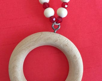 Wooden circle necklace with natural wooden and crystal/glass beads