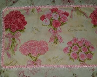 LOVELY DOILY SHABBY CHIC WITH A FLORAL FABRIC