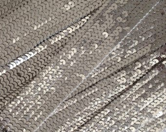Stripe glitter round sequins silver 6 strands sold was cut from 20 cm