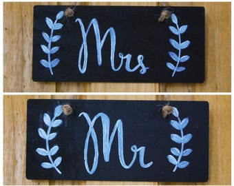 Mr & Mrs Wedding Sign Set | Wedding seat sign | Rustic wedding sign | Chalkboard Wedding Sign | Gift Set | Wedding Signs