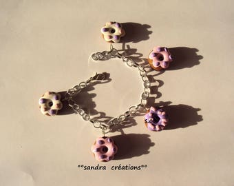 colored purple-pink charm bracelet