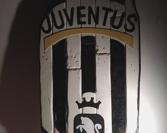 Wooden Juventus Flag