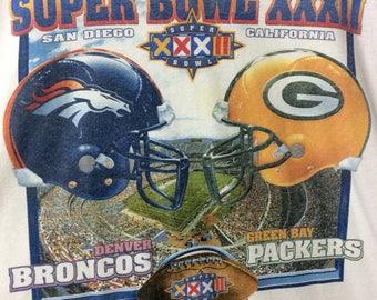 Vintage DENVER BRONCOS - Super Bowl XXXII Denver Broncos vs Greenbay Packers tshirt by Starter