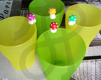 Mushroom-shaped colored glass