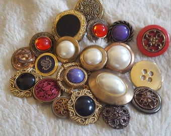 Random mixed lot of 20 vintage buttons, vintage button destash, button collection, craft tools, mixed button lot, arts and crafts tools