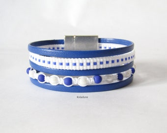 Cuff Bracelet woven beads and leather, white and blue, magnetic clasp