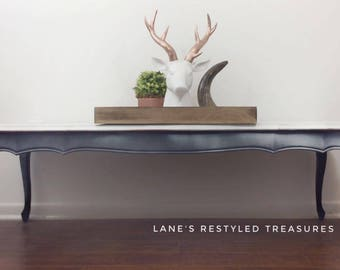 Vintage wooden coffee table/living room